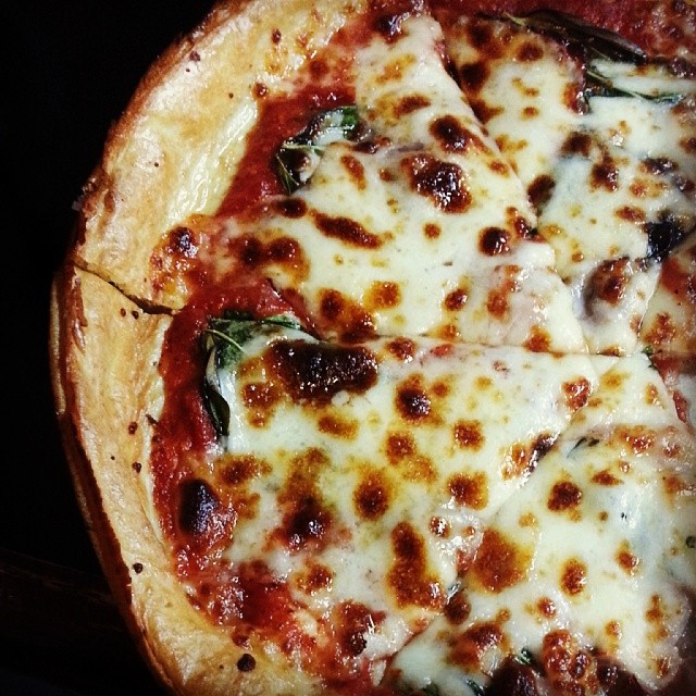 best pizza kalamazoo